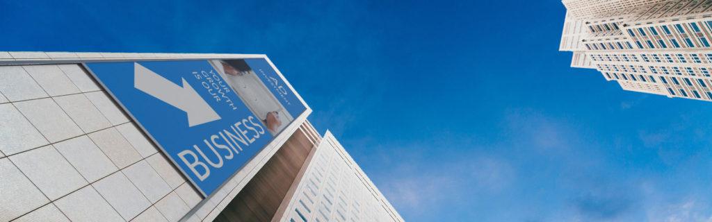 Außenwerbung: Werbebanner an Fassade oder Wand befestigen