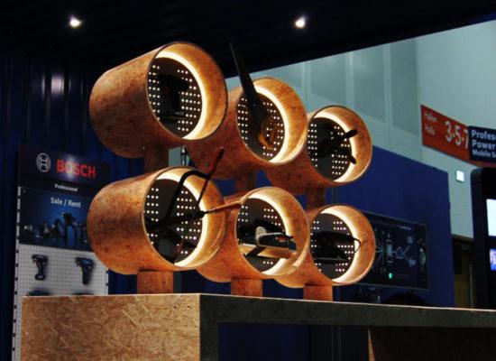 Herstellung und Logistik von Messenmaterial und Akquise von Möbeln