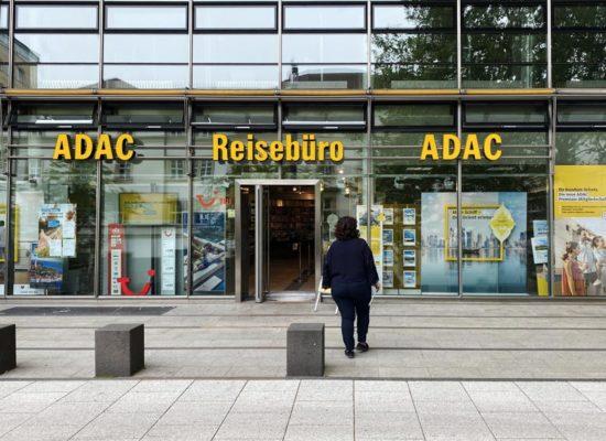 Schaufensterbeklebung Stuttgart-Mitte für den ADAC, Bild 2