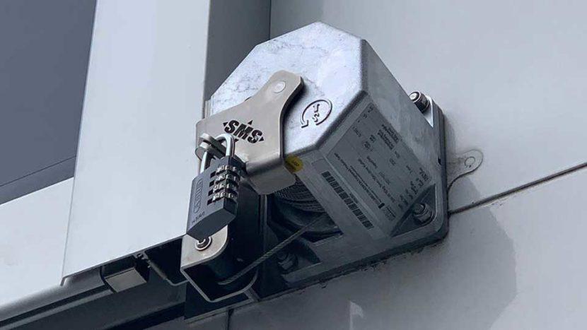 Werbelifter+: Sicherungssystem für die Sicherung Ihrer Werbebanner an Fassaden, Titelbild