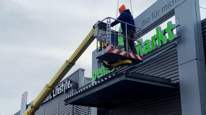 Entsorgung und Recycling von Werbeanlagen und Fassadenwerbung
