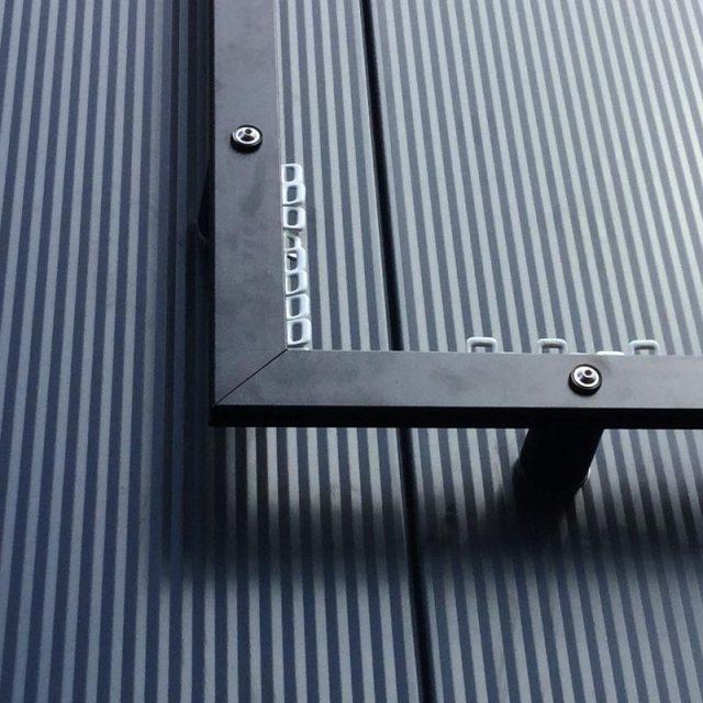 Spannrahmen+: Fassadenwerbung, Befestigung Werbebanner Aufbau, Ecke mit Schlitten