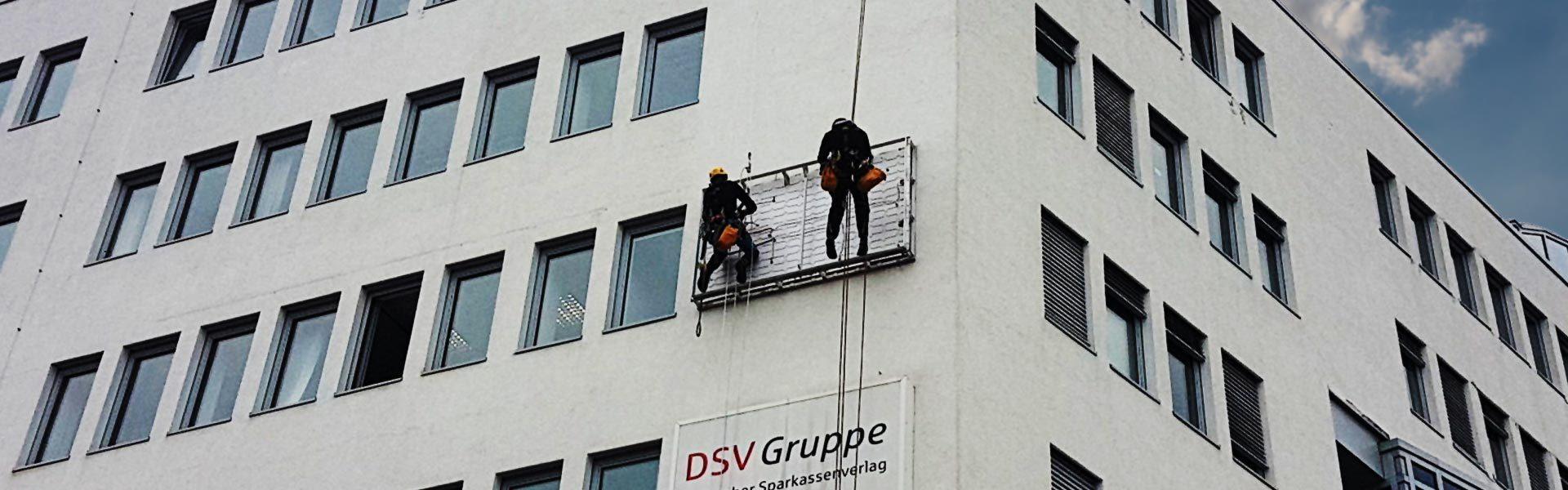 Wartung und Reparatur von Werbeanlagen: Banneranlagen, Lichtwerbung und Beschilderungen